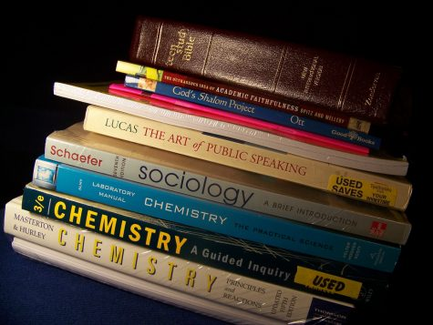 Three Reasons Textbooks Should be Banned From College