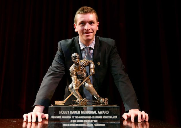 NYR+sign+2016+Hobey+Baker+Award+winner%2C+Jimmy+Vesey.+