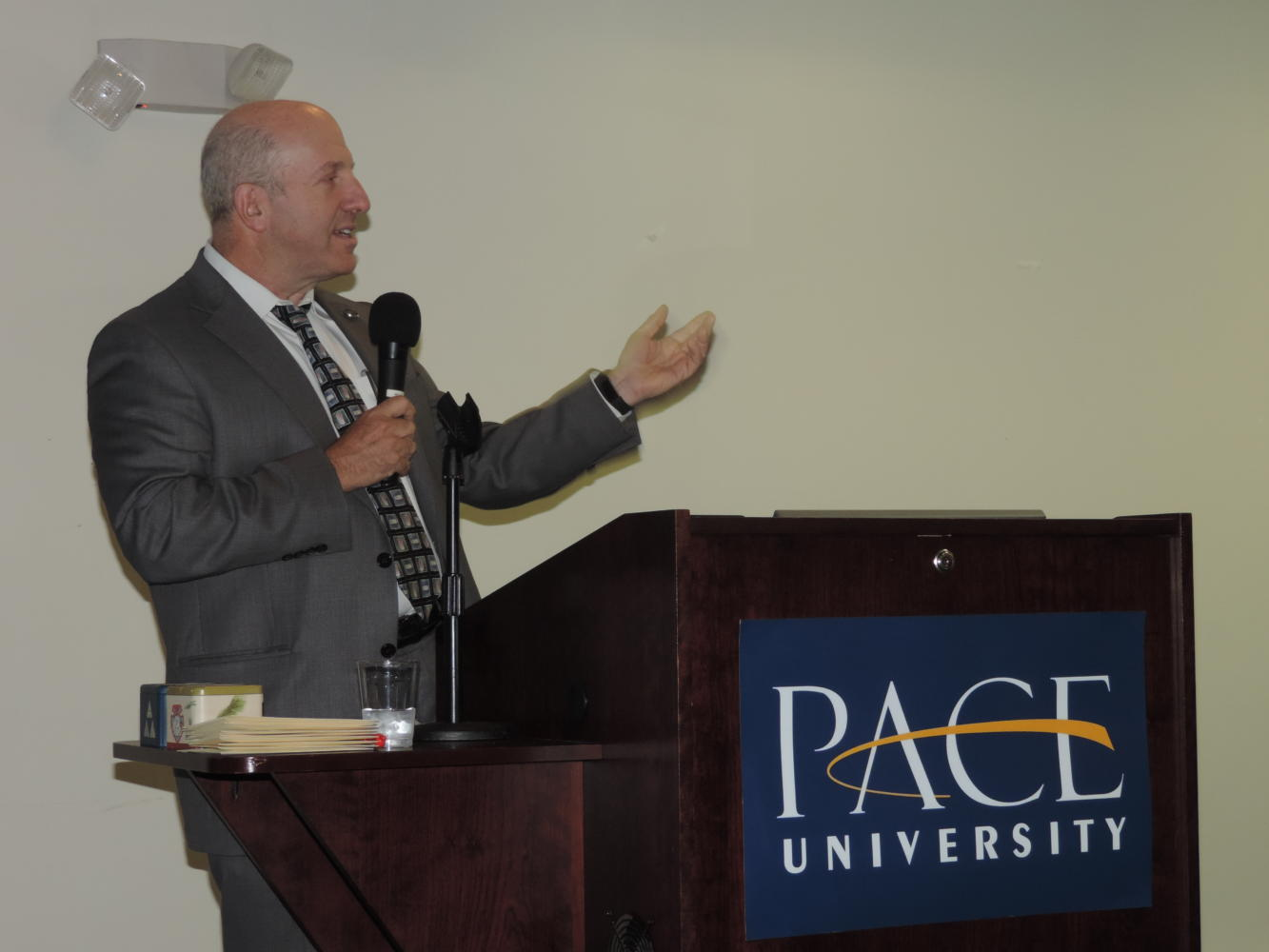 President Krislov greets the Pace community. Photo by Emily Bresnahan