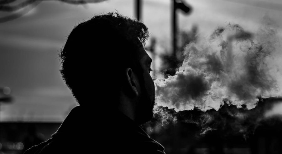 Vaping+Epidemic+is+leaving+the+Country+up+in+Smoke