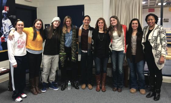Women's Basketball Alumni Return To Pace
