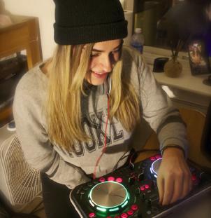 Artist Spotlight: Alexa Lauro