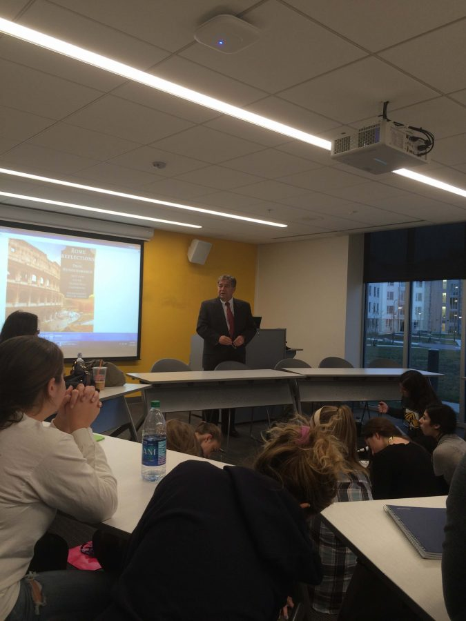 Dr. Lawerence Hundersmarck gives the pitch for his course to first year honor students. (Photo by Joseph Tucci.)