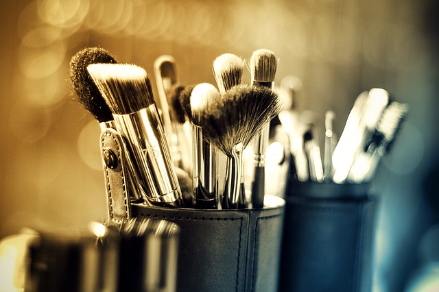 The Dangers of Bacteria in Your Makeup Brushes
