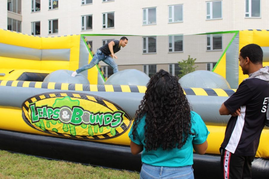 Alumni+Quad+was+home+to+inflatable+obstacles+that+challenged+attendees+at+Programming+Boards+Wipeout+event.+