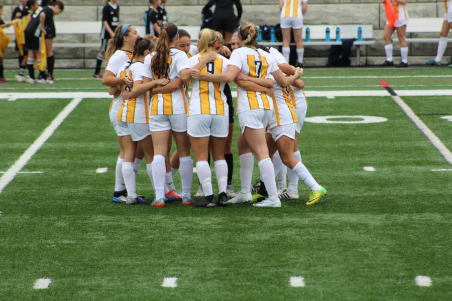 A win win for the Setters on Senior day increased their record to 4-7-1 this season.