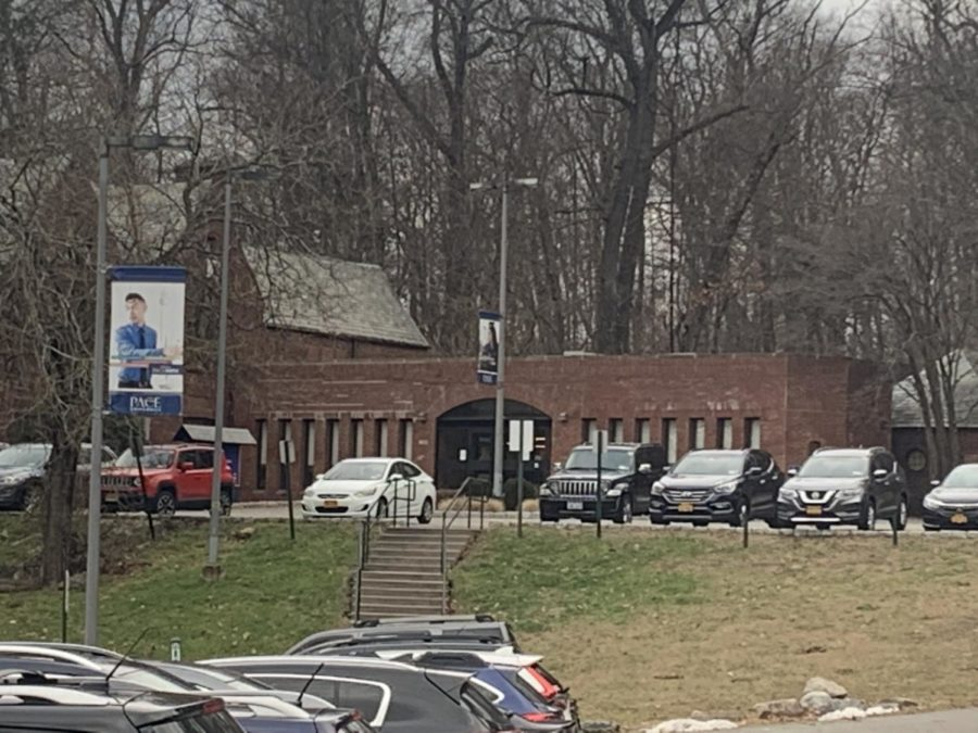 Hill that leads to the OSA and Financial Aid building, where bills are paid. Photo taken by Josiah Darnell.