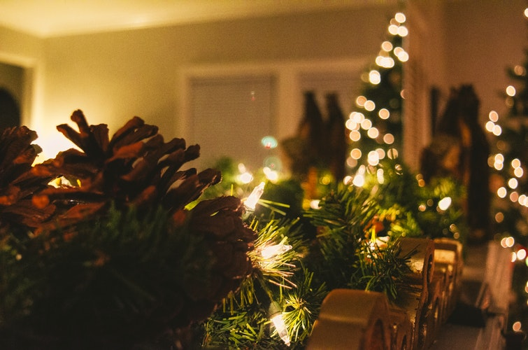 Holiday Decor in the Dorms: What's Allowed?