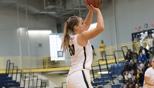 Sophomore Lauren Schetter led the Setters with 18 points in their close loss to Stonehill College.