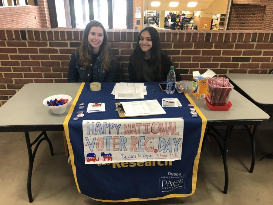 Students help the CCAR register students to vote during a tabling event in Kessel on September, 24, National Voter Registration Day.